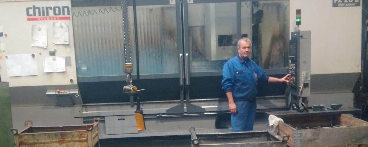 CNC-Bearbeitungszentrum mit 4 Achsen